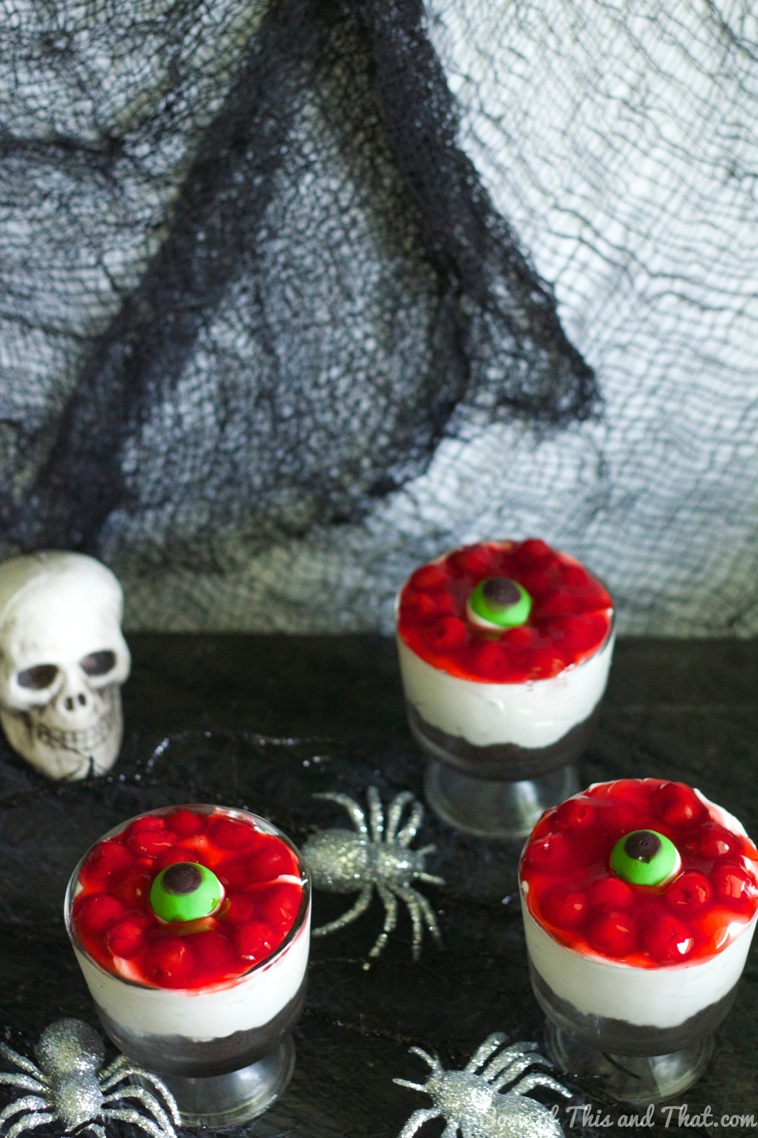 Eyeball Halloween Cheesecake! No Bake Halloween Treat from Some of This and That