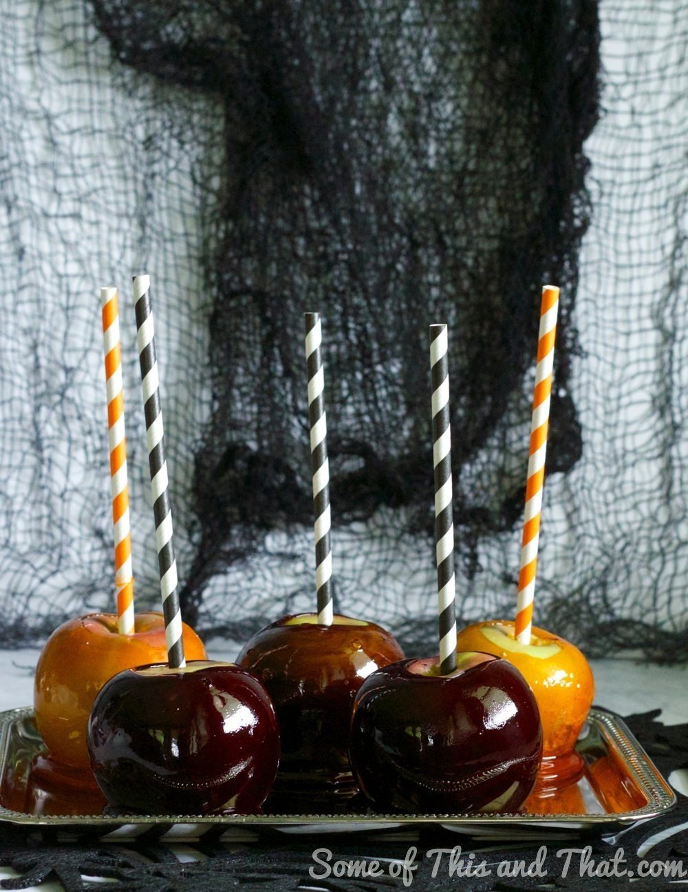 DIY Halloween Candy Apples! Black Widows and Pumpkins!