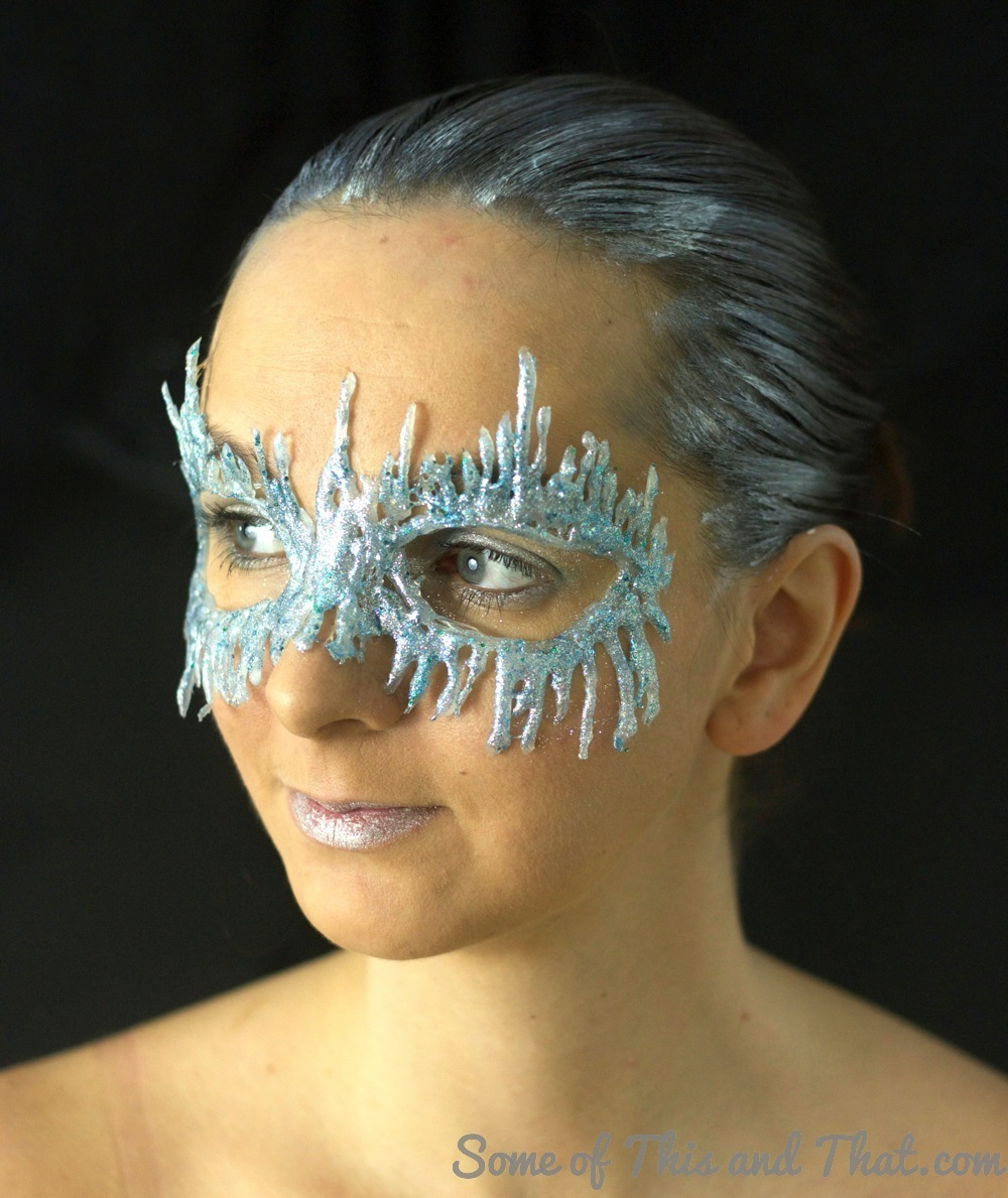 DIY Ice Queen Mask!