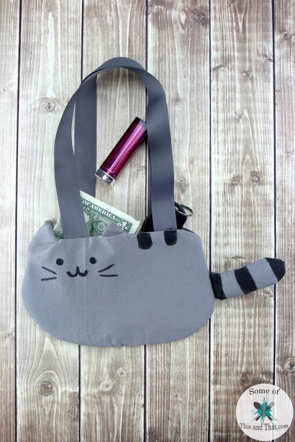 DIY Pusheen Purse! A fun and nerdy craft!