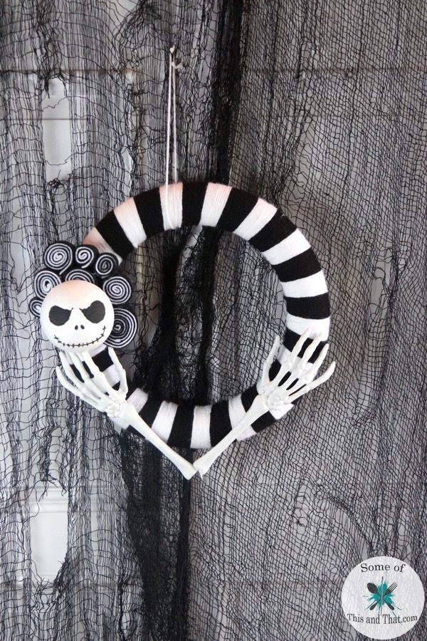 nightmare-before-christmas-wreath-feater