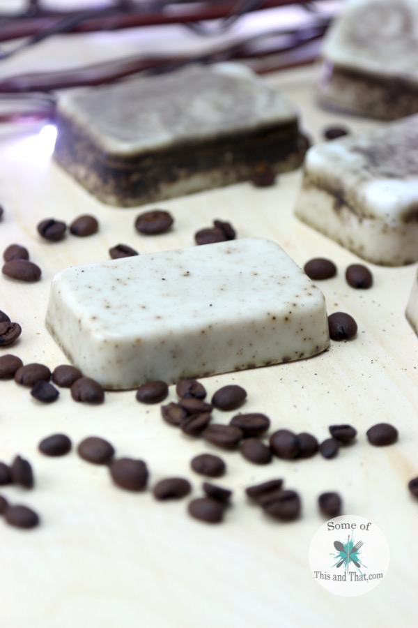 DIY Vanilla Latte Coffee Scrub Bars with free printable label!