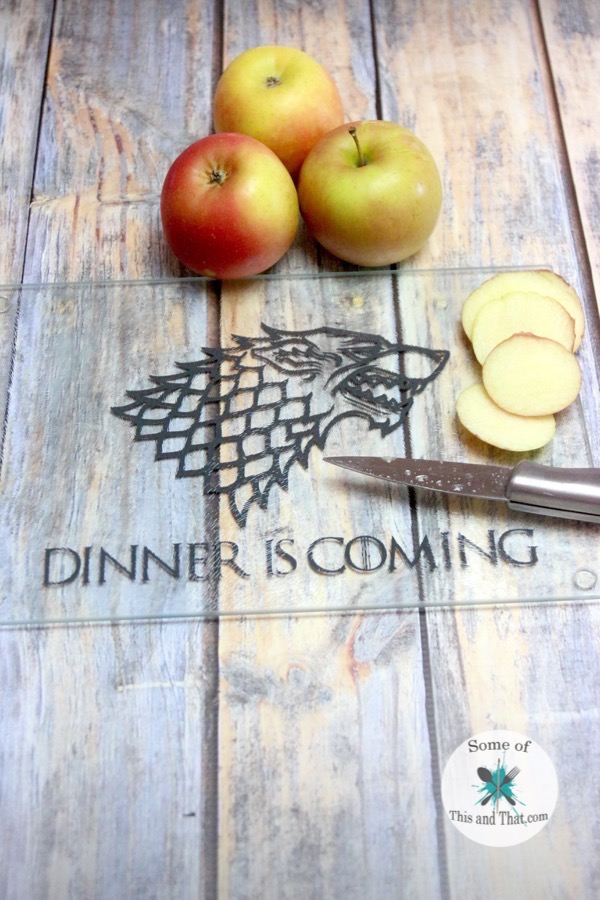 DIY Game of Thrones Cutting Board! Such a fun Nerdy craft!