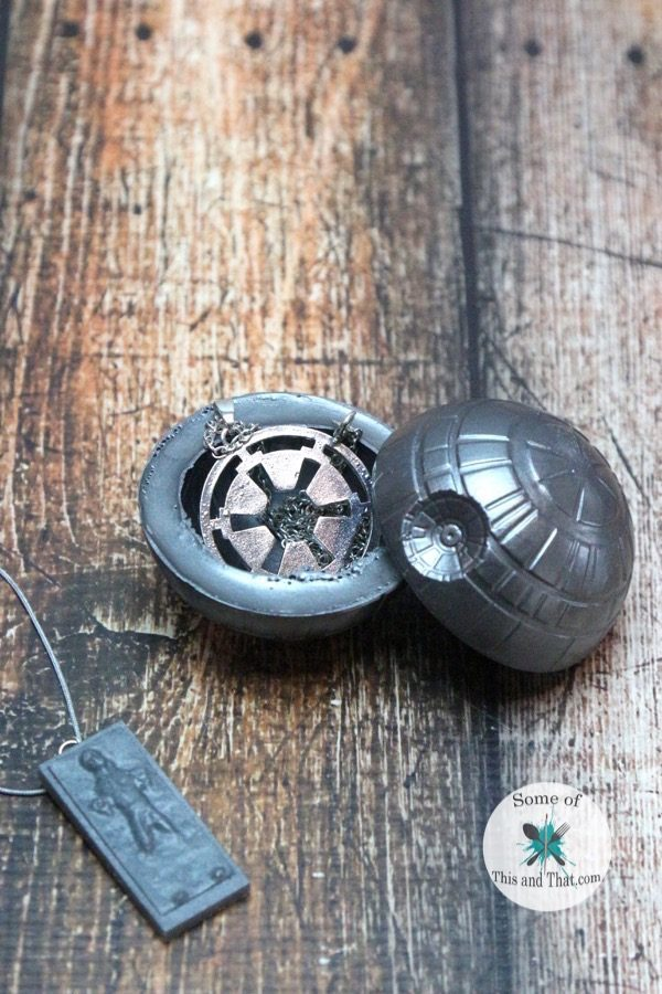 DIY Star Wars crafts! DIY Death Star & DIY Han Solo Trapped in Carbonite!